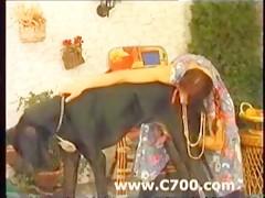 Rubia cogiendo con perro