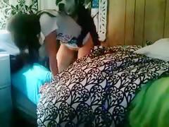 madre sexy con su perro